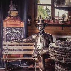 Country Saloon Clondike